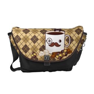 Tasse de café mignonne de moustache sur le Jacquar Sacoche