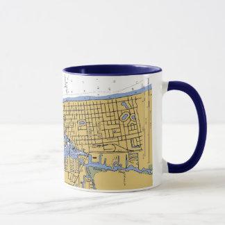 Tasse de café nautique de diagramme de port de