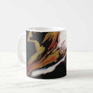 Tasse de café noire rouge chic d'abrégé sur or
