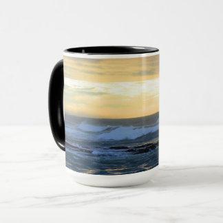 Tasse de café orageuse de mers