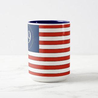 Tasse de café patriotique de vieux motif de gloire