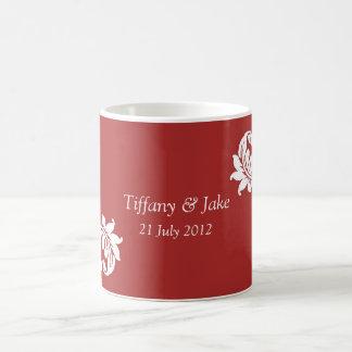 Tasse de café rouge de conception