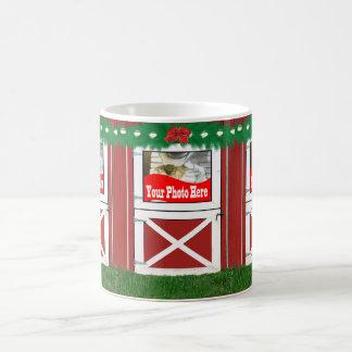Tasse de café rouge de vacances de photo de la