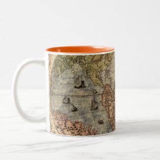 Tasse de café vintage de carte de Vieux Monde