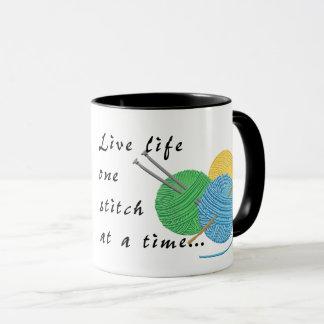Tasse de café vivante de point de la vie une à la