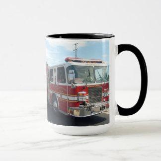 tasse de camion de pompiers
