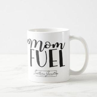 Tasse de carburant de maman