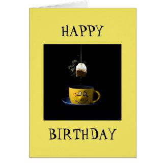 Tasse de carte d'anniversaire de thé