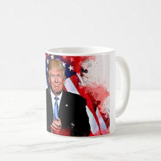 Tasse de célébration de Donald Trump