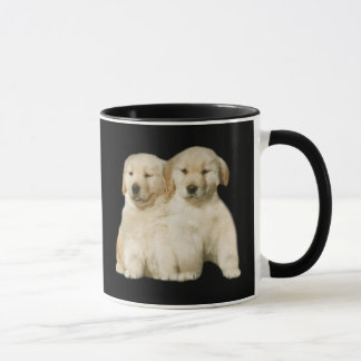 Tasse de chiot de golden retriever