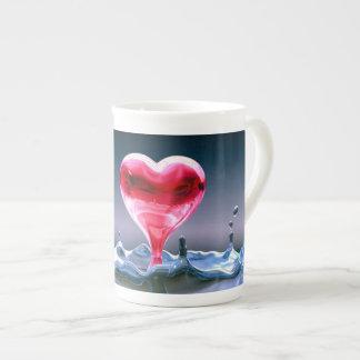 tasse de coeur de porcelaine tendre