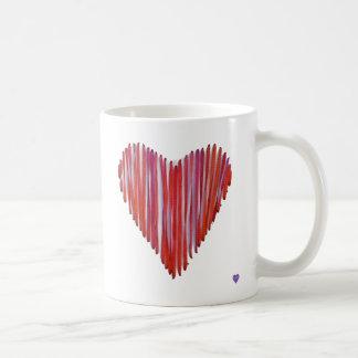 Tasse de coeur piquée par rouge