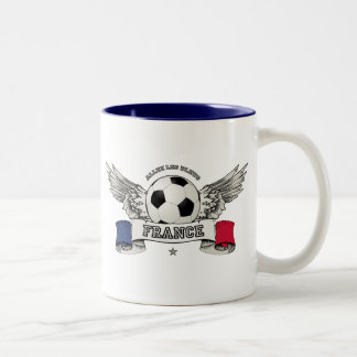 Tasse de défenseur d'équipe nationale du football