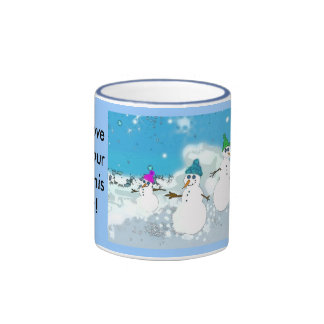 tasse de famille de neige