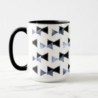 tasse de forme de triangle d'Arc-cravate