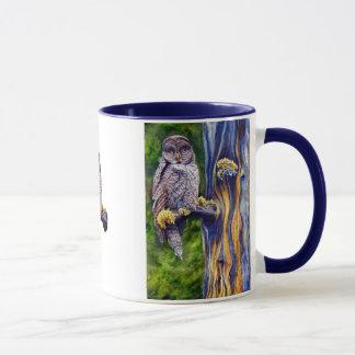 Tasse de hibou de grand gris