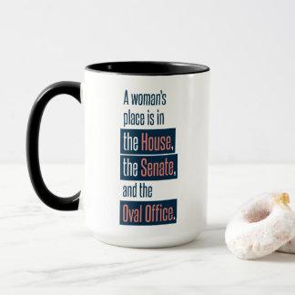 Tasse de la place d'une femme