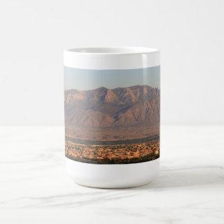 Tasse de l'image 2 de Bernalillo de montagnes de