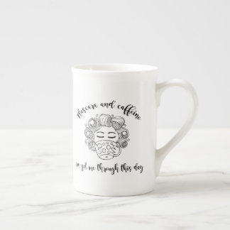 Tasse de mascara et de caféine