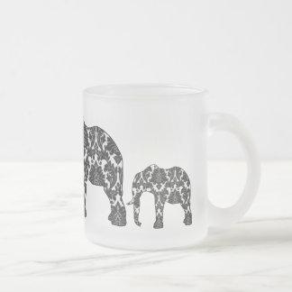 Tasse de motif d'éléphant de damassé