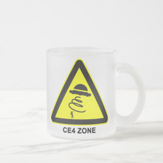Tasse de panneau d'avertissement de zone d'UFO CE4
