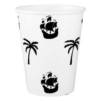 Tasse de papier avec des bateaux et des palmiers gobelets en papier