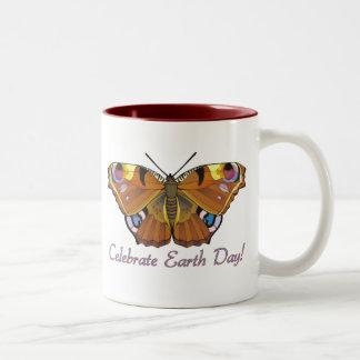 Tasse de papillon de jour de la terre