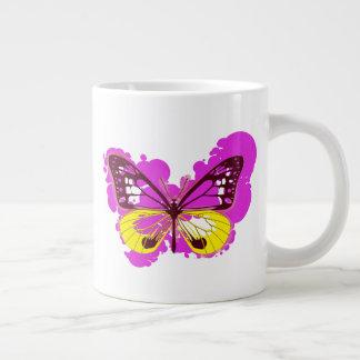 Tasse de papillon de rose d'art de bruit