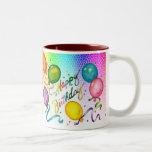 Tasse de partie de joyeux anniversaire