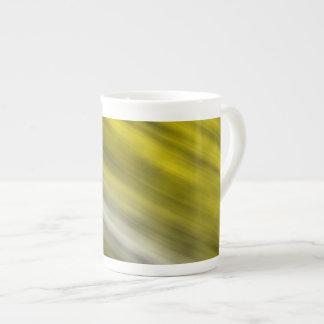 Tasse de porcelaine tendre, art abstrait, jaune