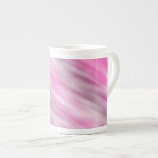 Tasse de porcelaine tendre, art abstrait, pourpre