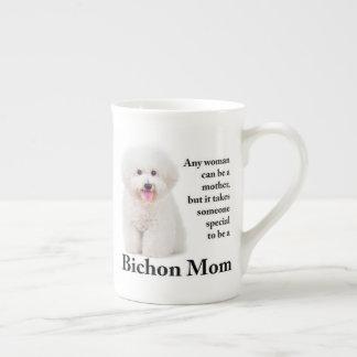 Tasse de porcelaine tendre de maman de Bichon