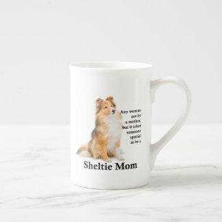 Tasse de porcelaine tendre de maman de Sheltie