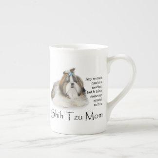 Tasse de porcelaine tendre de maman de Shih Tzu
