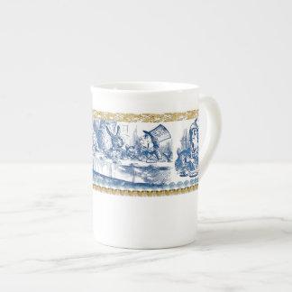 Tasse de porcelaine tendre - pays des merveilles mug en porcelaine