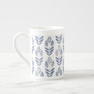 Tasse de porcelaine tendre - tulipes de collection