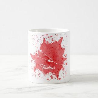 Tasse de rouge de Taureau