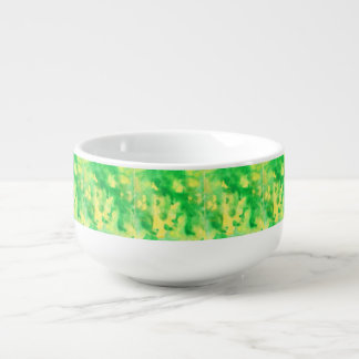 Tasse de soupe à aquarelle de vert jaune