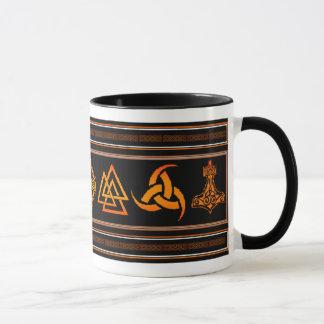 Tasse de symbole de Viking
