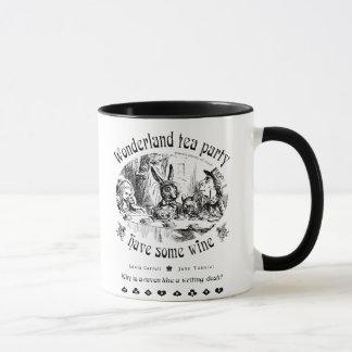 Tasse de thé du pays des merveilles