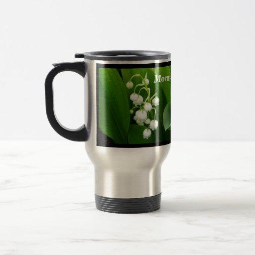 Tasse de voyage du muguet de fleurs blanches