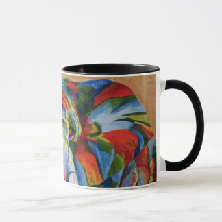 Tasse d'éléphant avec l'image colorée