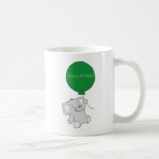 Tasse d'éléphant de joyeux anniversaire