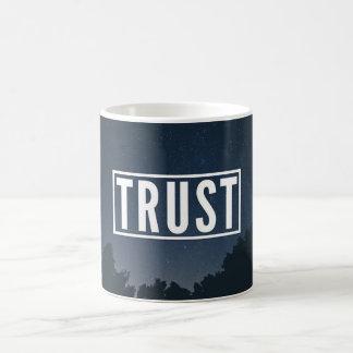 Tasse d'épopée de confiance