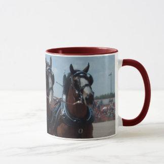 Tasse d'équipe de cheval de Clydesdale