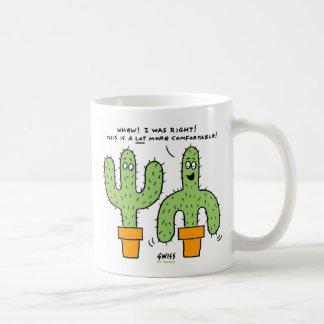 Tasse drôle de bande dessinée de cactus de désert