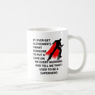 Tasse drôle du super héros d'Alzheimer