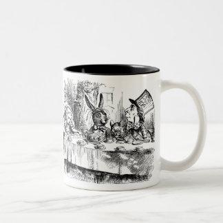 Tasse du thé du chapelier fou