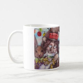 Tasse en céramique de thé fou de chapelier et de