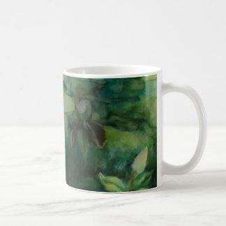 Tasse en céramique d'ombre de magnolia